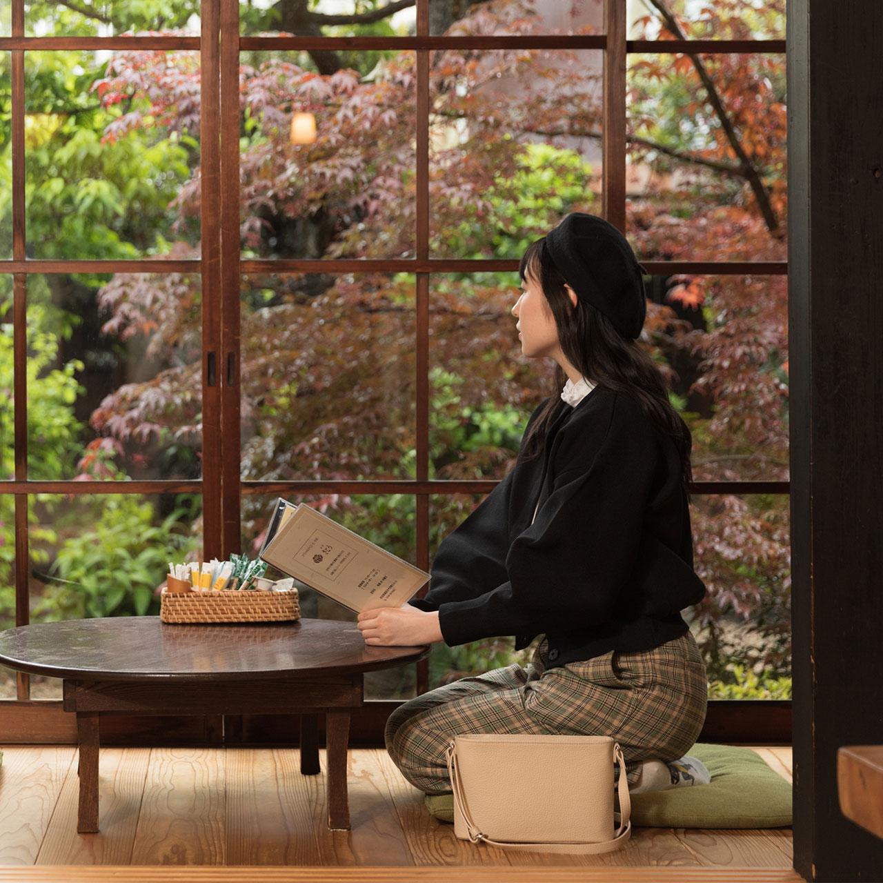 使用イメージ。カフェで。
